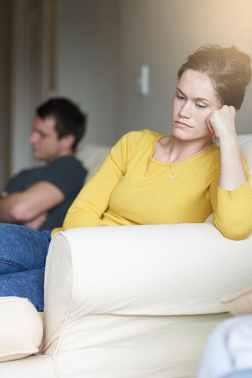 couple-is-falling-out-of-love
