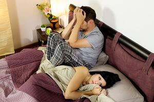 couple-living-in-a-marriage-that-is-loveless.jpg