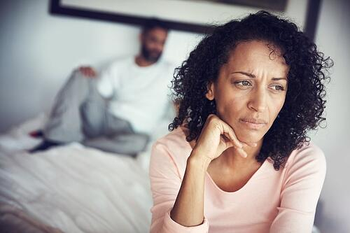 couple-struggling-after-the-love-is-gone