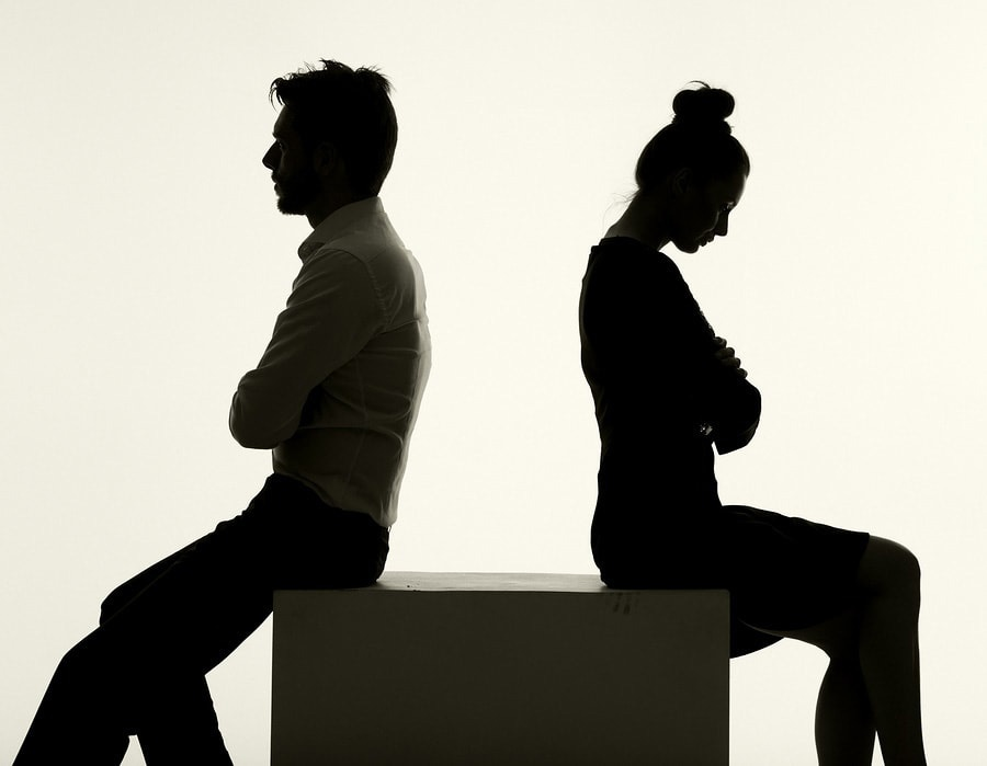 couples-with-problems-staying-married.jpg