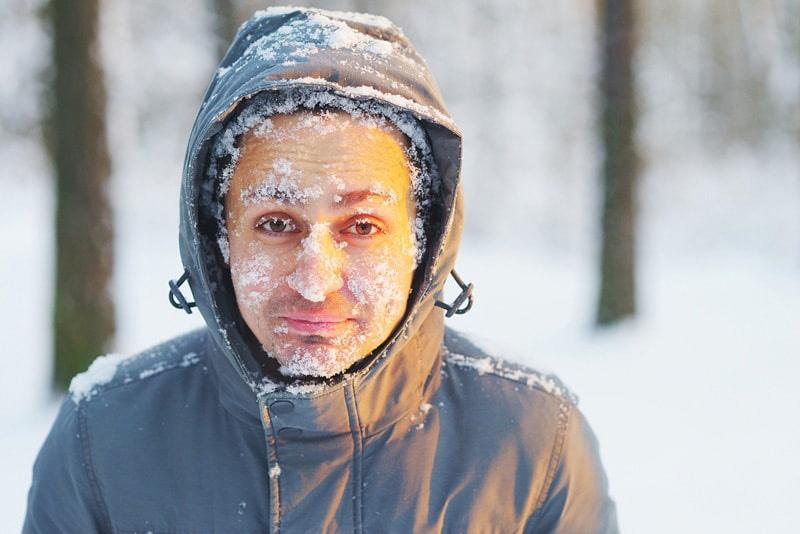 emotionally-frozen-and-unavailable-men.jpg