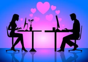 facebook-flirting-puts-relationship-at-risk.jpg